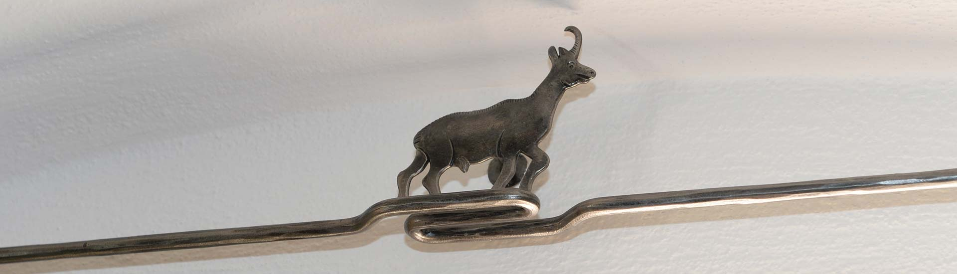 gams-ornament